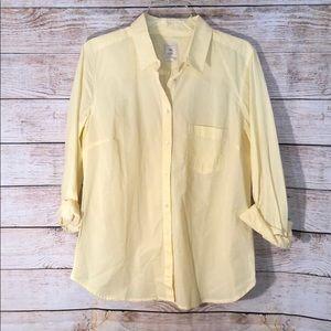 Gap yellow stripe tailored shirt.